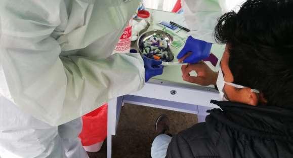 Pacientes con coronavirus reciben soporte emocional, alimenticio y esperanza