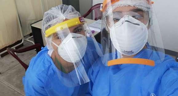 Elaboran 1000 caretas faciales de protección y donan a hospitales