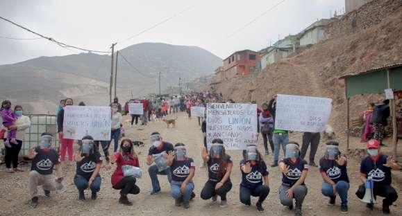 """Familias en extrema pobreza reciben víveres, mascarillas y 4 500 panes """"Unión"""""""
