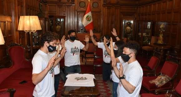 """Universidad Peruana Unión celebra aniversario con campaña nacional de oración y solidaridad """"Perú oro por ti"""""""